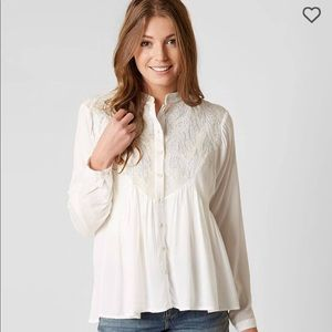 Embroidered Leaf Applique Shirt
